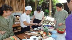 Hoi-An-cooking-class-Vespa-tour-do-some-cooking-1