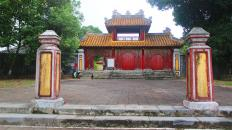 Hue-Imperial-City-Full-Day-Bike-Tour-07