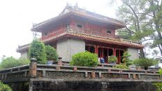 Hue-Imperial-City-Full-Day-Bike-Tour-09