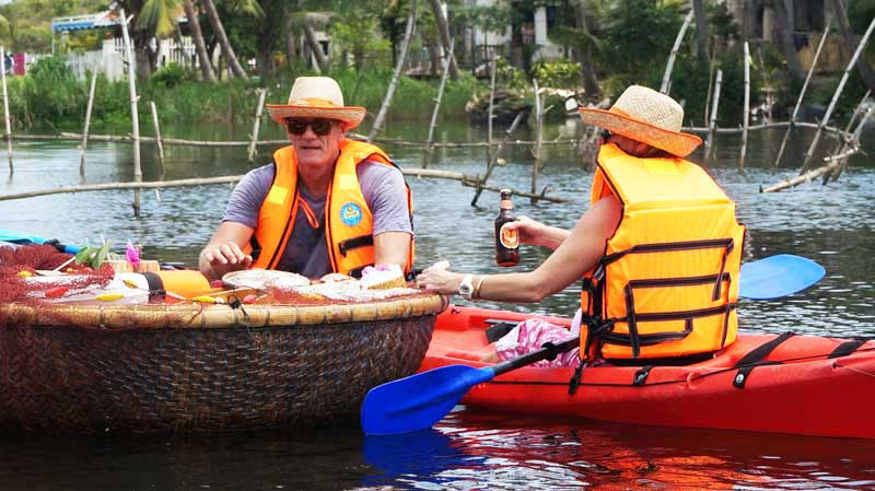 HOI AN COUNTRYSIDE BY JEEP WITH KAYAKING ON THE RIVER (3 HRS - RT011)