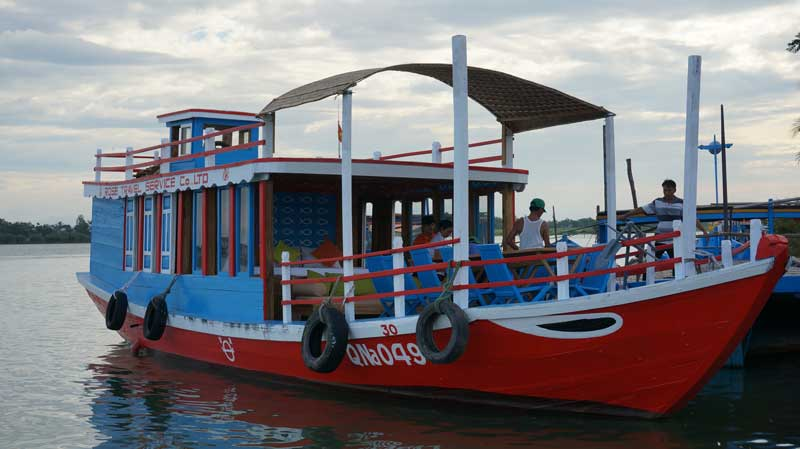 HOI AN COUNTRYSIDE BY JEEP & SUNSET CRUISE ON THU BON RIVER (3,5 hrs - RT018)